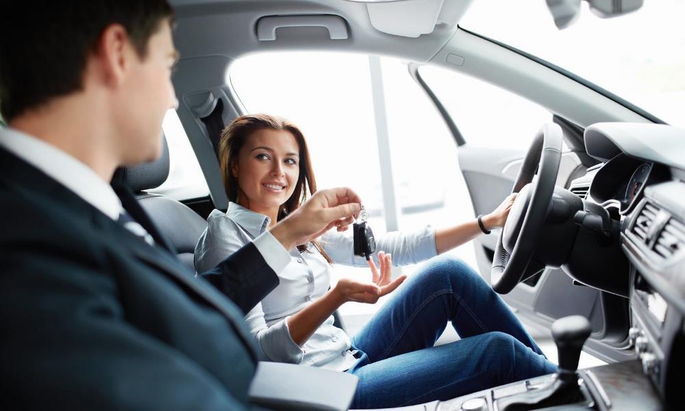 Как грамотно продавать автомобиль в салоне?