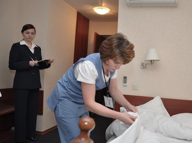 создание стандартов работы администраторов и горничных отеля